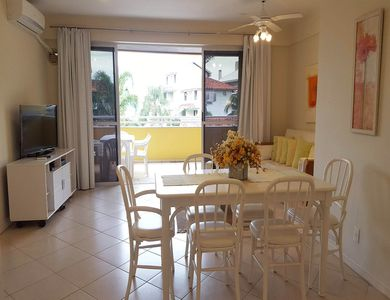 Photo for Beautiful fit 2 beds. Balcony w / barbecue. In the center of Praia da Cachoeira
