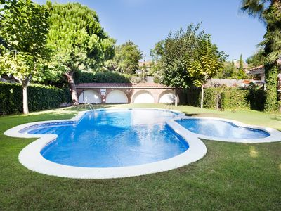 Photo for Sitges VALLPINEDA - 2 free swimming pools and garden.