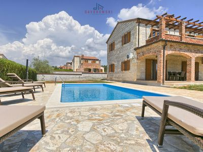 Photo for Villa Zoe with Pool, 4 bedrooms, Terrace, shared Tennis court, Pets
