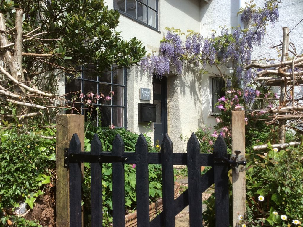 Romantic Cottage Dog Friendly In Quiet Vi Homeaway
