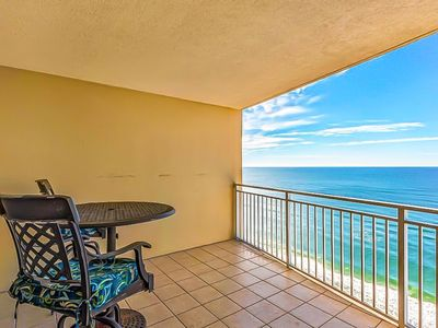 Photo for Waterfront condo w/ shared pools, hot tub, Tiki bar, & on-site Starbucks