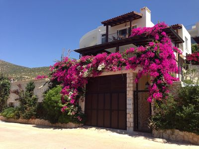 Photo for Luxury Villa With Private Infinity Pool And Stunning Sea Views