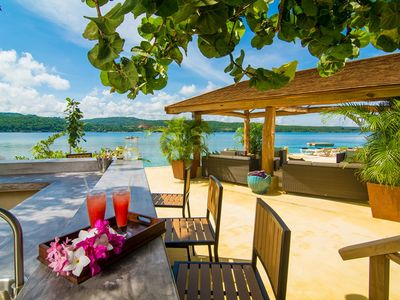 Photo for Keela Wee on the Beach - luxury 6 bedroom private beach front villa in Discovery Bay