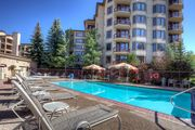 Panoramic Views -Next to Gondola & Ski School-Pool/HTs/Sauna/Shuttle/Restaurants