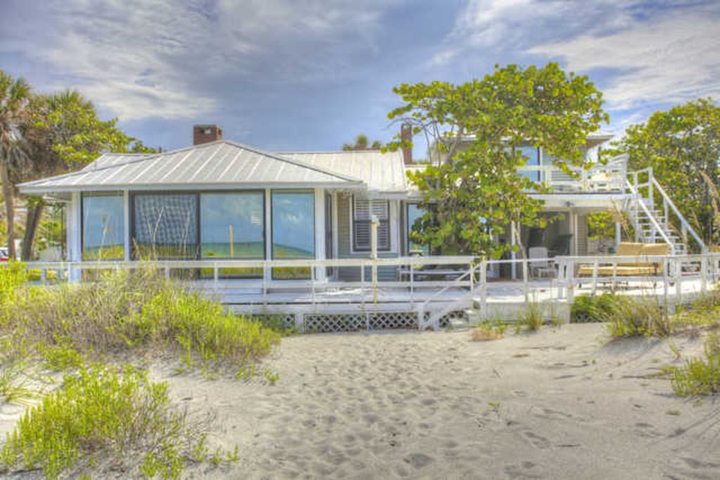 Beach House Located On Gulf Of Mexico S Pri Vrbo