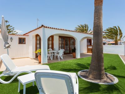 Photo for Luxury Sunny Villa With Heated Private Pool