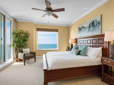 Photo for GULF FRONT, BREATHTAKING VIEWS! 19TH FLOOR LUXURY, 2 KINGS, QUEEN SLEEPER SOFA!