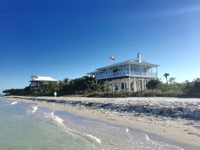 Sea Urchins ***** Brand New Beachfront with Beachside Pool & Private Boat Dock