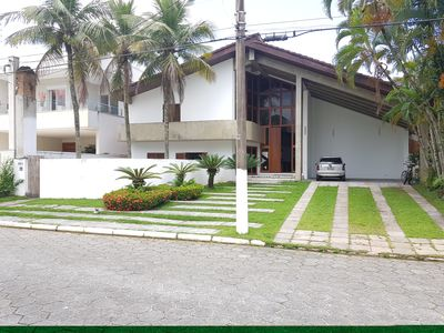 Photo for Beautiful and Large House - Jardim Acapulco Condominium - Guarujá.