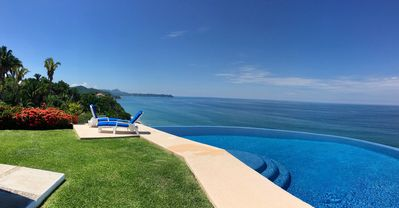 Heated infinity pool with view to Sayulita to the south