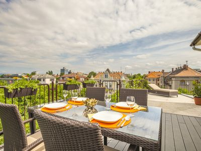 Photo for Enjoy your private terrace near City Park!