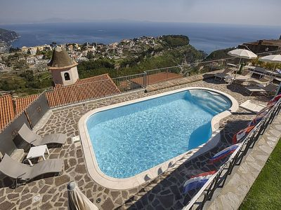 Photo for Villa Laila D: A pleasant and spacious apartment which faces the sun and the sea, with Free WI-FI.