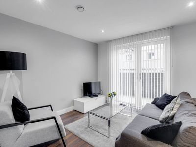 Photo for Modern 2BR Townhouse in Central Manchester
