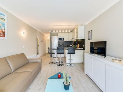 Photo for Apartment Le Beach Garden in Cannes - 4 persons, 1 bedrooms