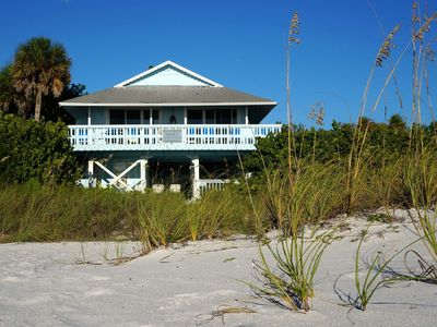Beautiful Beach House situated right on the beach offering stunning views of the ocean