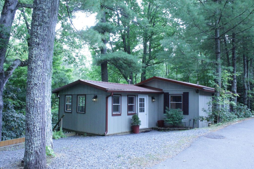 summer retreat in linville land harbor newland rh vrbo com