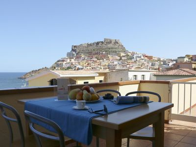 Photo for Ginestra apartment in Castelsardo with integrated air conditioning, private terrace & balcony.