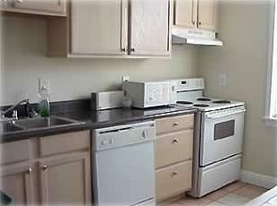Complete Eat-in Kitchen