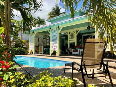 P55 - Beautiful 3 bedroom homes with private pool and hot tub. I tropical paradise.