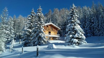Photo for Exceptional chalet, ski in ski out, on the slopes of arches 1800