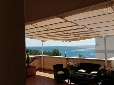 Photo for 55m2 terrace apartment overlooking the sea