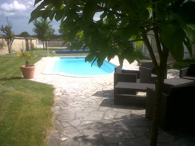 Photo for Cottage 2/4 pers pool terrace near Chablis