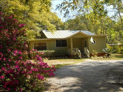 Cute and Chic Cottage on Fig Avenue in beautiful Fairhope, Alabama 36532