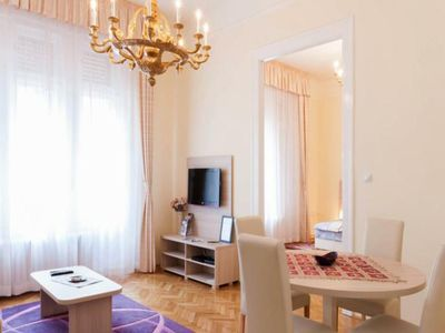 Photo for Spacious apartment in city center...vaci street