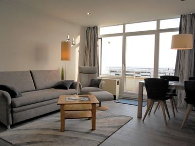 Photo for Sunny holiday apartment right on a sandy beach with a view of the Baltic Sea