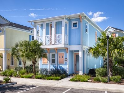 Photo for Smooth Waves Cottage! 3 Miles from Disney w/ Daily Clean & Hotel Amenity Access