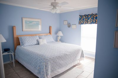 Best night's sleep you'll ever have in this King sized Gulf front bedroom.