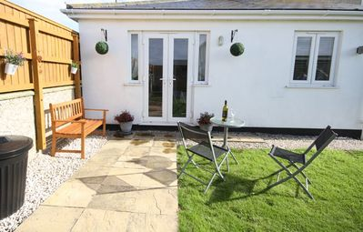 Photo for Driftaway is a beautifully furnished 1 bedroom annex apartment near Porth Beach