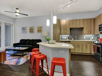 Photo for Stylish 1BD/1BA - Heart of Downtown!