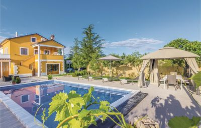 Photo for 3 bedroom accommodation in Gracisce