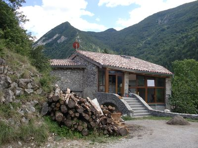 Photo for Idyllic, family friendly holiday home with sauna by the river in the mountains