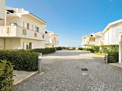Photo for 1-bedroom apartment with pool, view of the sea und direct access to the beach