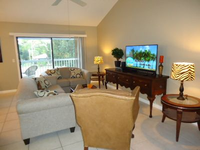Large Living Space with HD Flat Screen TV, Cable, DVD Player and Wi-Fi