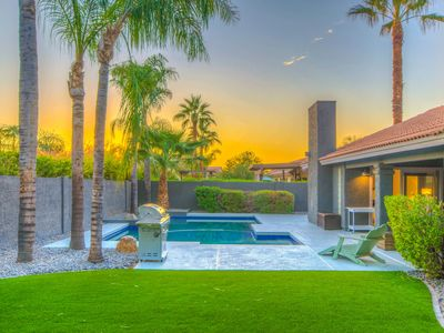 Photo for Come enjoy the April ☀️| Heated Pool, Pool Table, Putting Green, Walk to Kierland!