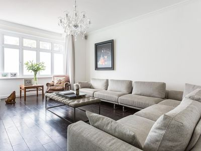 Photo for Haverstock Hill - luxury 3 bedrooms serviced apartment - Travel Keys