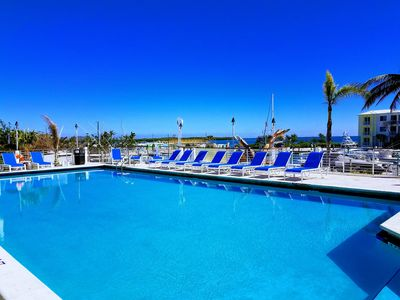Photo for Key Largo Get-Away, Amazing Jacuzzi, Oceanfront Pools, 2 Couples or Small Family