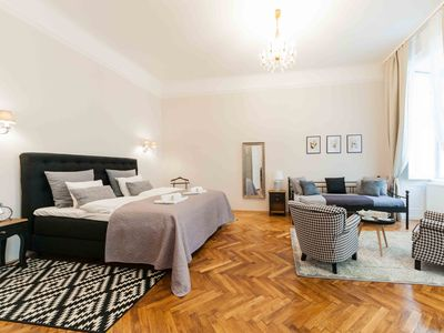 Photo for Elegantvienna Symphonia Luxury Apartment Near The Cathedral