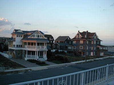 Beautiful Area Of Seaside Park Neighboring Homes