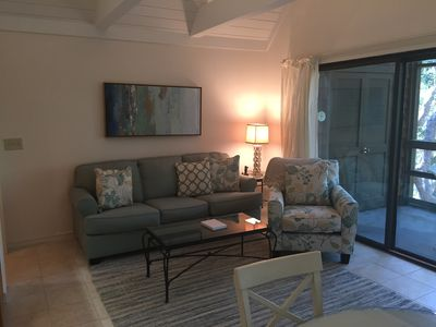 Photo for Newly renovated 1-bedroom villa w/ resort privileges & very close beach access