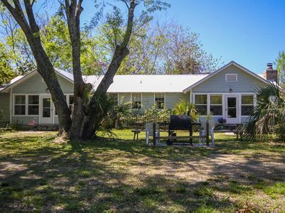 Peaceful private home on the North End of Tybee, a short walk to the beach and Lighthouse