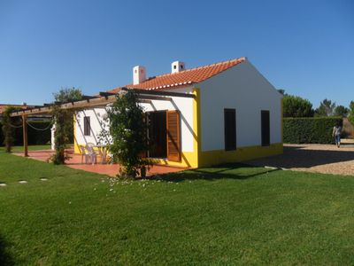 Photo for Family friendly villa in quiet location with large pool