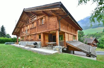 Photo for Four star chalet for up to 11 with 4-5 bedrooms close to the slopes!