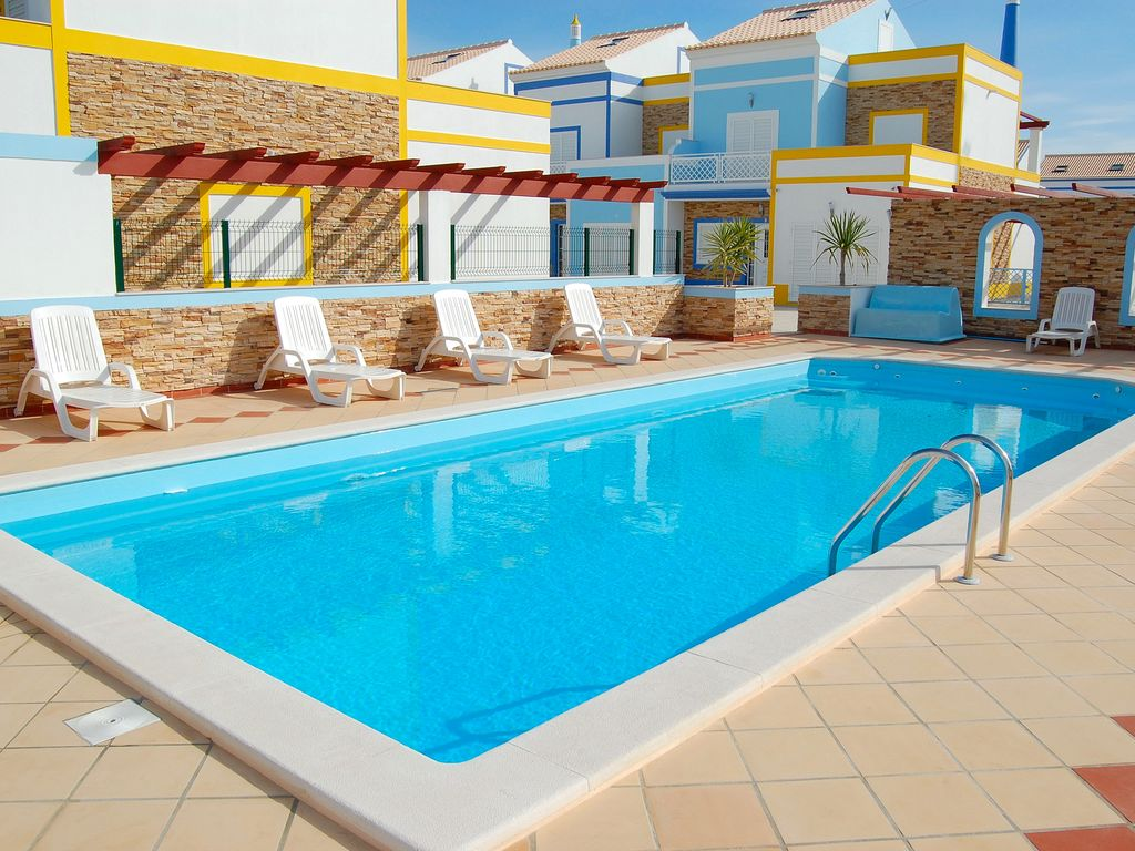Luxury Manta Rota Villa Air Con Gated Pool Parking Near Restaurants Beach