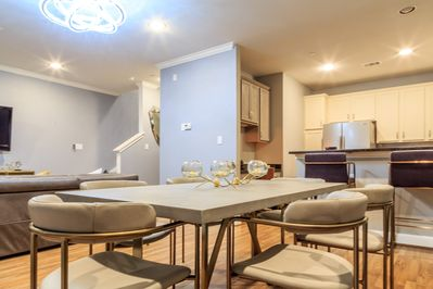 MODERN & Chic Style *WESTELM HOUSE 2* in heart of TX Med Center and NRG  Stad - Braeswood Place