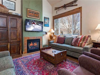 Photo for Walk to Lift! 1350sqft! Free Shuttle- Hot Tub- Fully Equipped Kitchen -Fast Wifi
