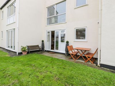 Photo for DRIFTWOOD, pet friendly, with a garden in Harlech, Ref 967643